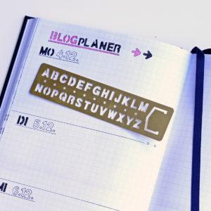 MemoMe. Schablone Buchstaben